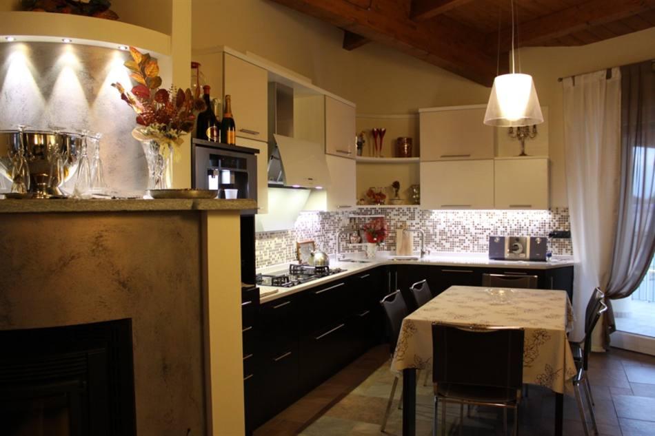cucine moderne cuneo, prezzi cucine moderne, offerte cucine ... - Cucine Moderne Bicolore
