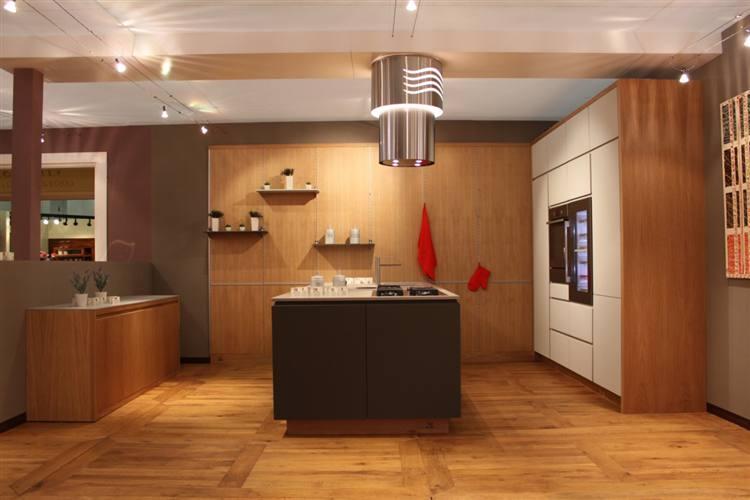 Perfect cucina modello seta with tavernette moderne for Ruggieri arredamenti