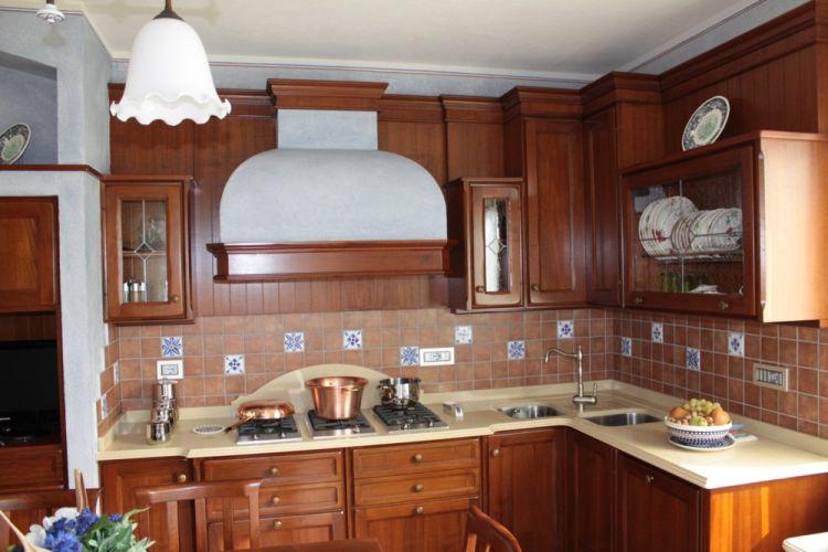 Cucina in noce nazionale - Cucina bianca e noce ...