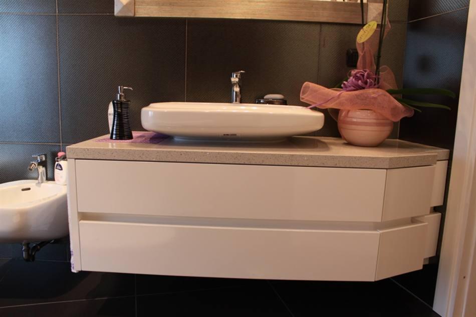 Mobile bagno laccato lucido - Mobile bagno bianco laccato ...