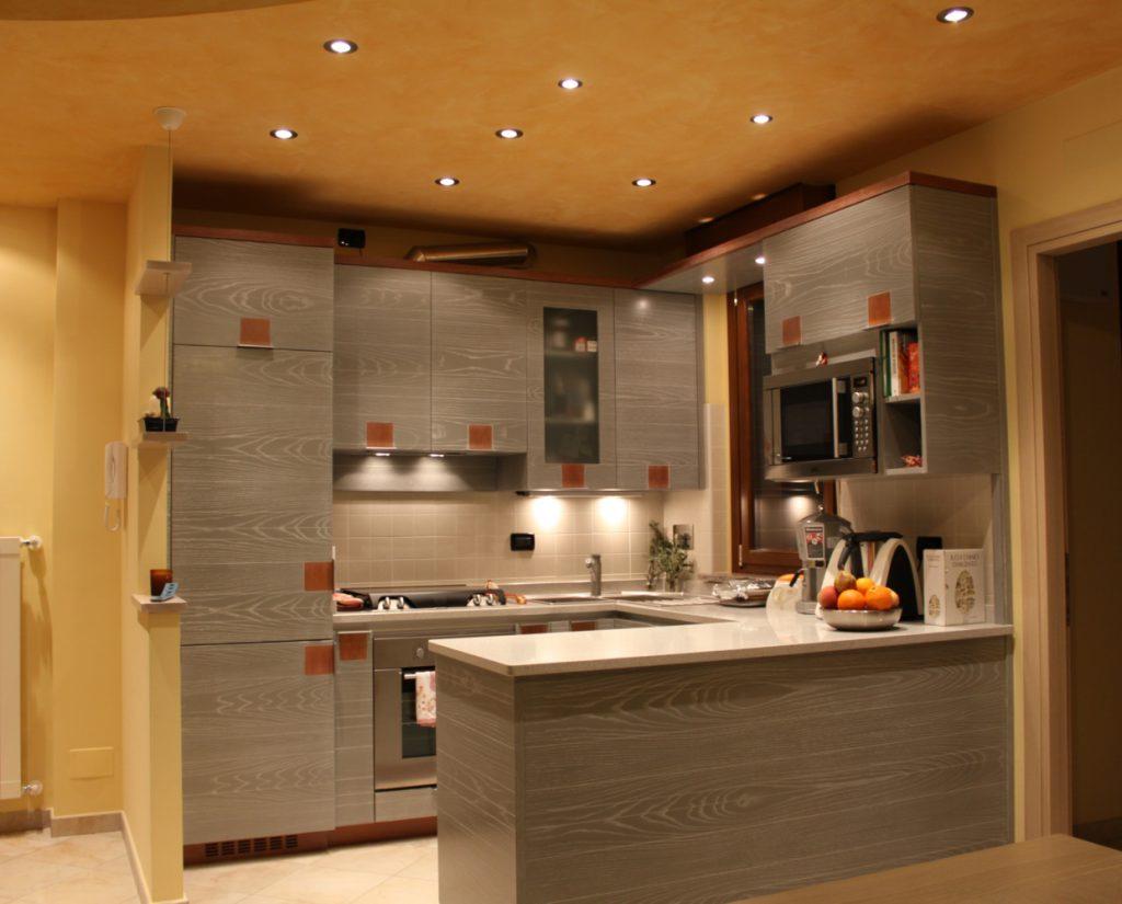 Cucina moderna mod futura for Arredare taverna